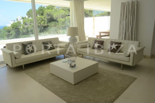 livingroom-marvelous modern apartment with breathtaking sea view