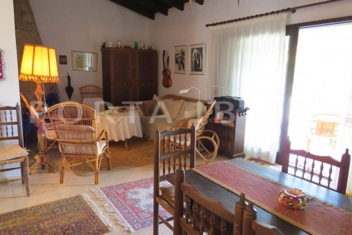 charming house-dinner-great potential for renovation-San Agustin
