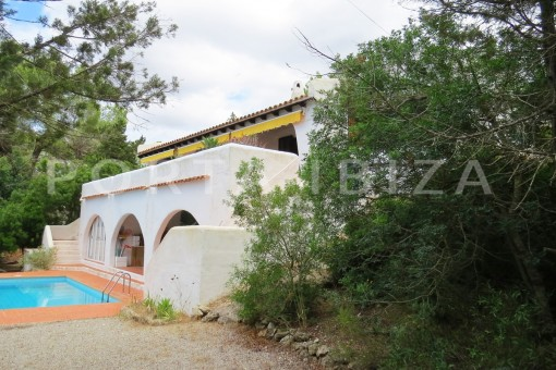 charming house-garden & pool-great potential for renovation-San Agustin