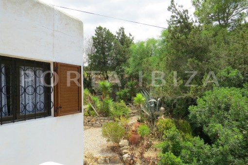 charming house-garden-great potential for renovation-San Agustin