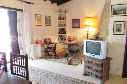 charming house-living & chill-great potential for renovation-San Agustin