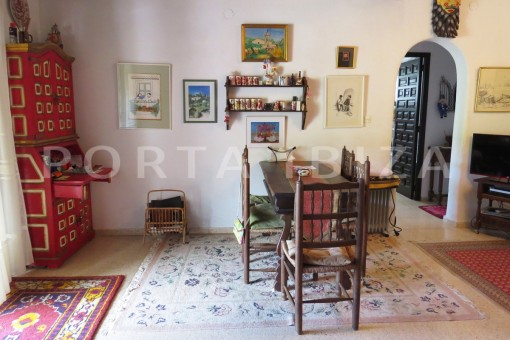 charming house-living-great potential for renovation-San Agustin