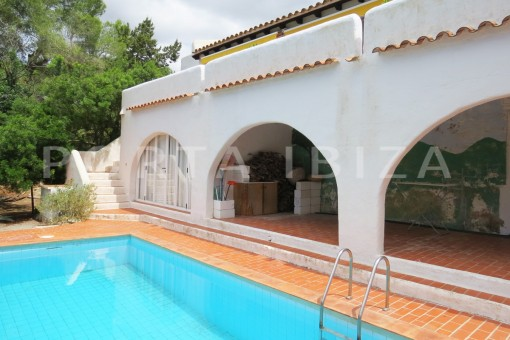 charming house-pool terrace-great potential for renovation-San Agustin