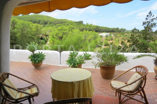 charming house-terrace-great potential for renovation-San Agustin
