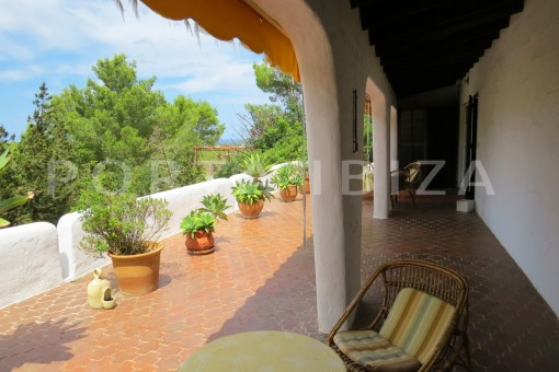 charming house-terrace view-great potential for renovation-San Agustin