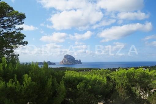 Wunderbares Reihenhaus in der Cala Carbó mit fantastischen Meerblick und Frontalblick auf Es Vedra
