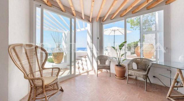 access terrace calo den real villa