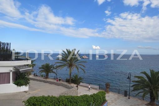 Wunderbares Apartment in erster Meereslinie in Figueretas