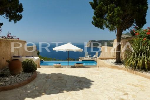 pool terrace house es cubells