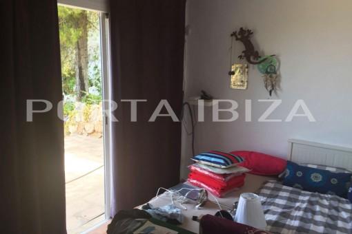 bedroom access cala moli house