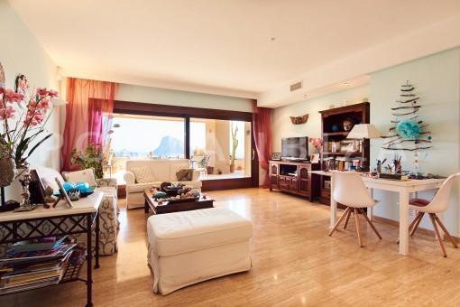 apartment cala carbo salon