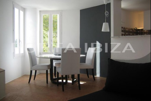 house calo den real dining area