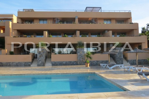 front view cala carbo apartment