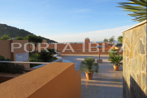 apartment cala carbo pool access