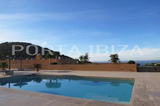 Fabelhaftes Duplex - Apartment in der Cala Carbó mit Sonnenuntergangsblick