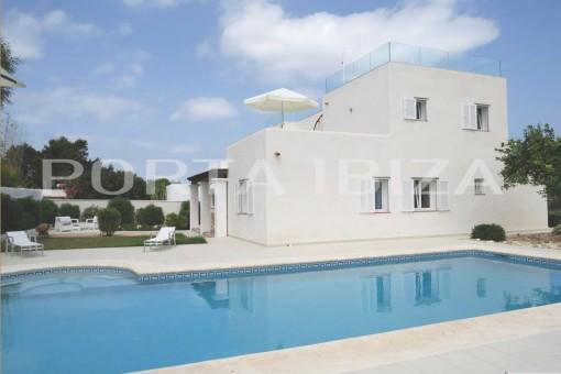 Wunderbare Villa bei Cala Bassa mit Meerblick