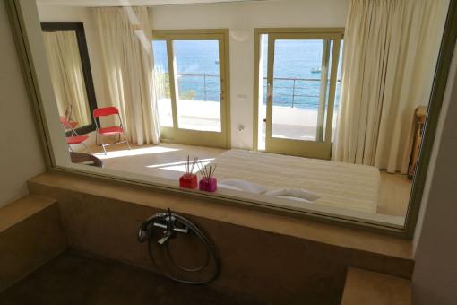 Badezimmer en Suite mit Meerblick