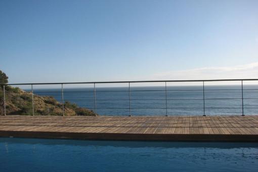Traumhafter Meerblick vom Pool aus