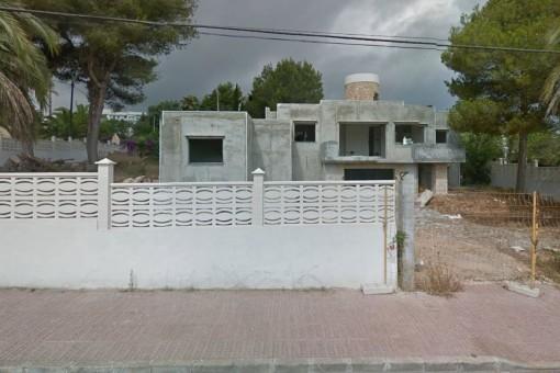 Grundstück mit beantragter Baulizenz in Siesta
