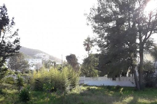 Bauland in Siesta mit beantragtrer Baulizenz