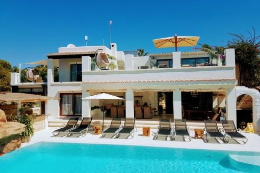 Beeindruckende und außergewöhnliche Luxusvilla in Cap Martinet (Jesús) mit 15 Schlafzimmern