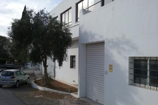 Perfekt gelegene Industriehalle zwischen Sant Antonio und Ibiza