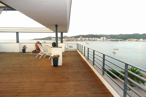 Fabelhaftes Penthouse mit Gemeinschaftspool in der Bucht von Sant Antonio