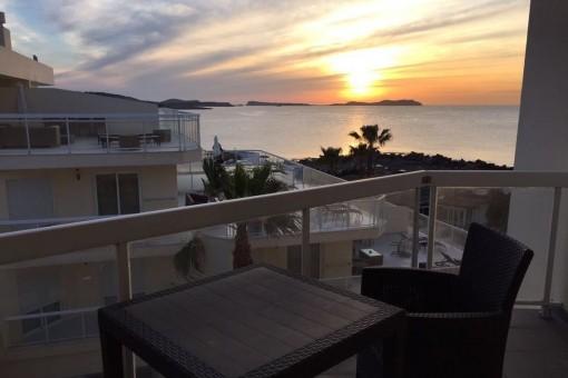 Wohnung mit Balkon in Cala de Bou, San José