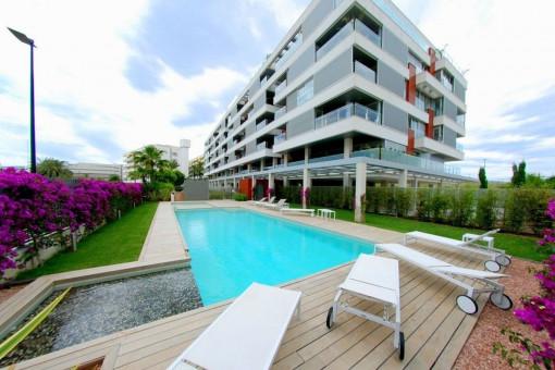 Schöne Wohnung mit Balkon in Marina Botafoch, Ibiza