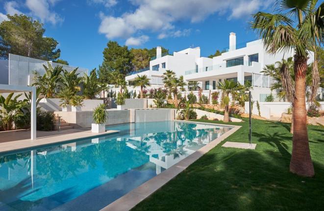 Schöne Villa nur wenige Meter vom Strand von Cala Llenya entfernt