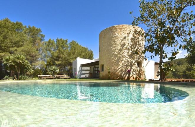 Schöne Villa mit großem Pool in Santa Gertrudis